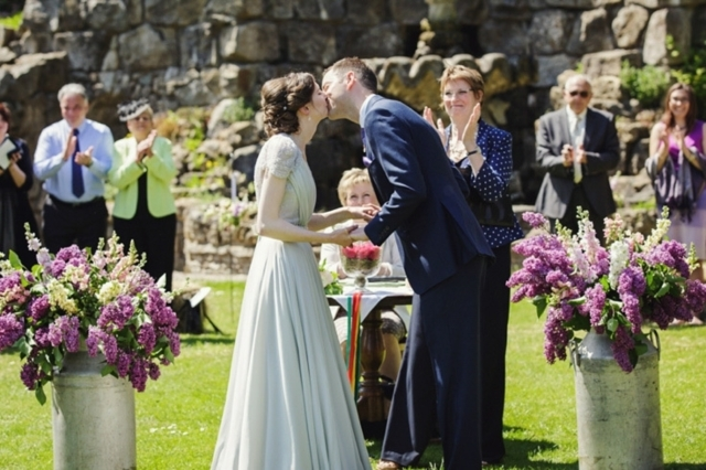 10 Things NOT to Forget to Bring on Your Wedding Day