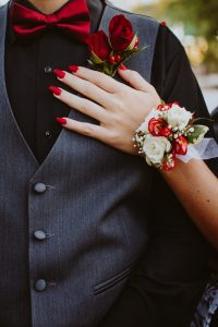 Tips This Floral Expert Learned While Planning Her Own Wedding, floral wedding tips, alice's table
