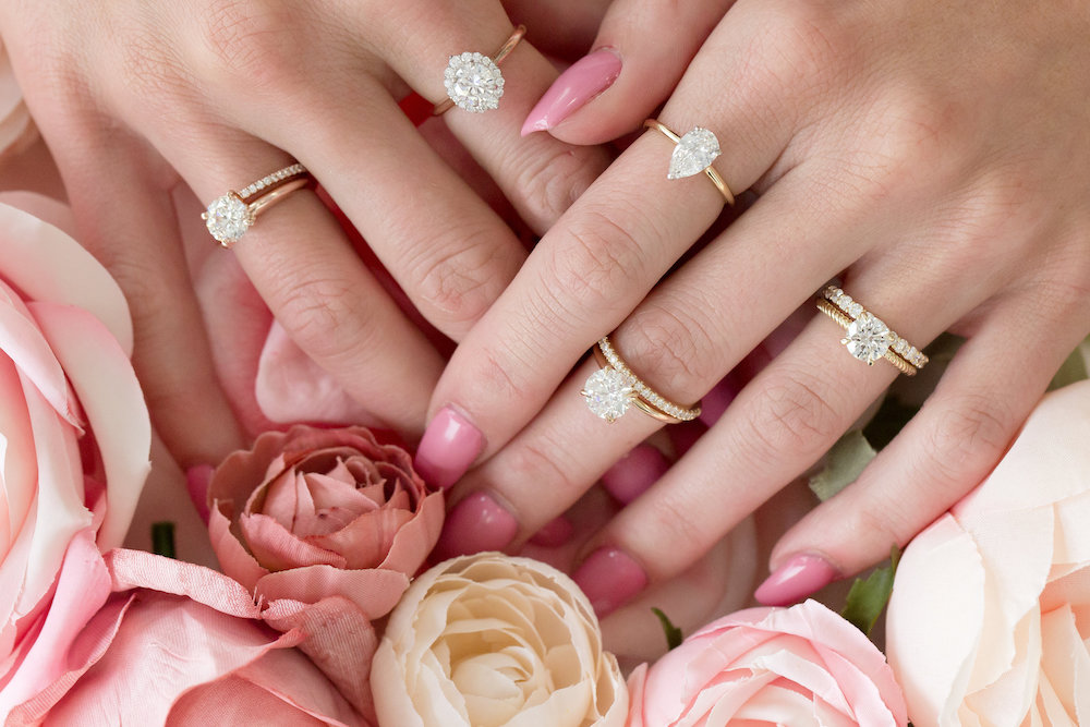 engagement ring shopping, how to buy an engagement ring, tips on buying engagement ring, engagement ring styles