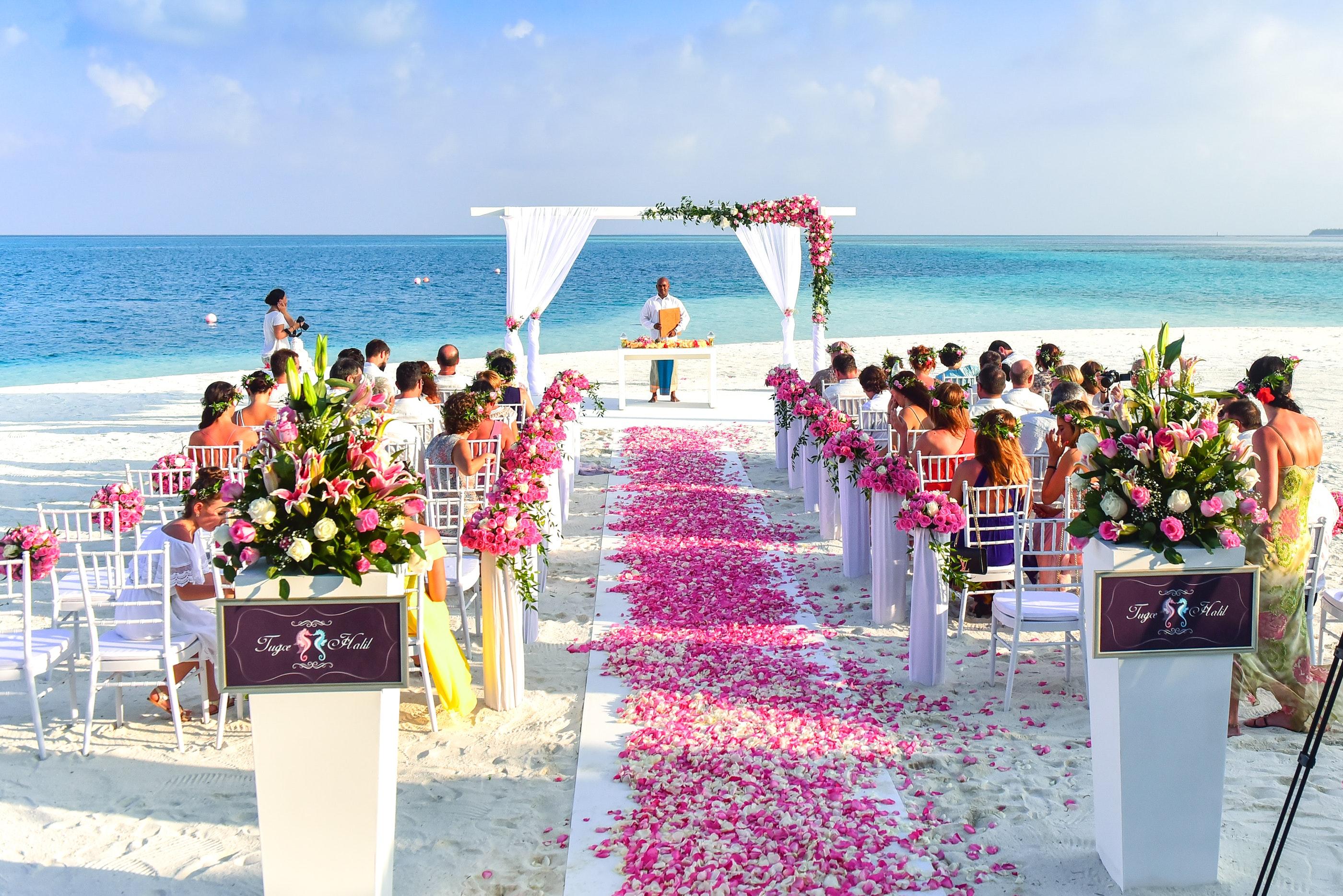 5 Totally NOT Okay Reasons to Skip Someone's Wedding