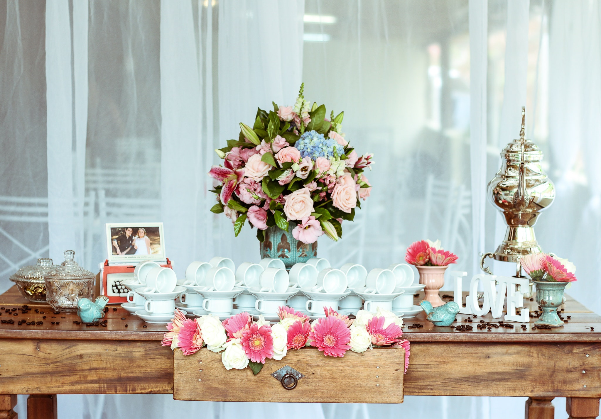 7 Hacks That Will Have Your Wedding Day Decor Lookin' Good