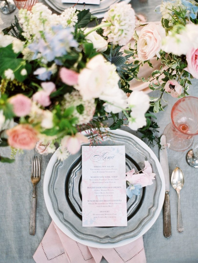 5 Ways to Work This Year's Pantones Into Your Wedding Color Palette